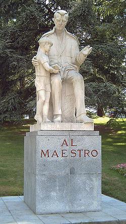 250px-Monumento_al_Maestro_(V._Ríos)_Madrid_01