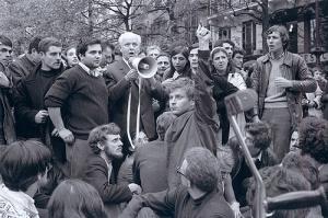 Louis Aragon, Place de la Sorbonne 9 mai 1968 - Serge Hambourg
