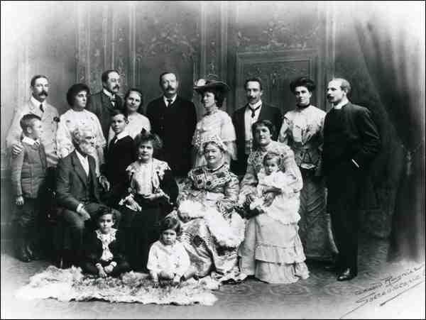 Conan-Doyle-family-group